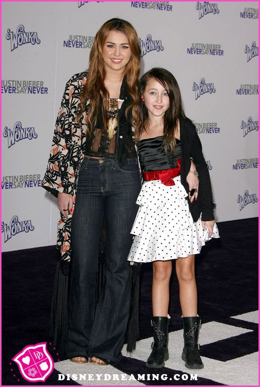 noah cyrus makes a music video for miley cyrus song