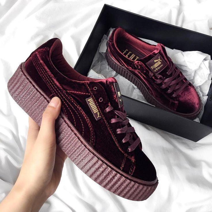 Sneakers women - Puma Fenty burgundy velvet (©jacquiealexander)