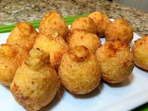 Фото к рецепту: Сырные Пончики- Бомбочки. Божественный завтрак для любителей сыра.
