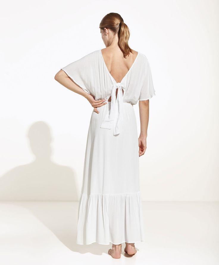 Vestido comprido laço (branco): OYSHO (29,99€)
