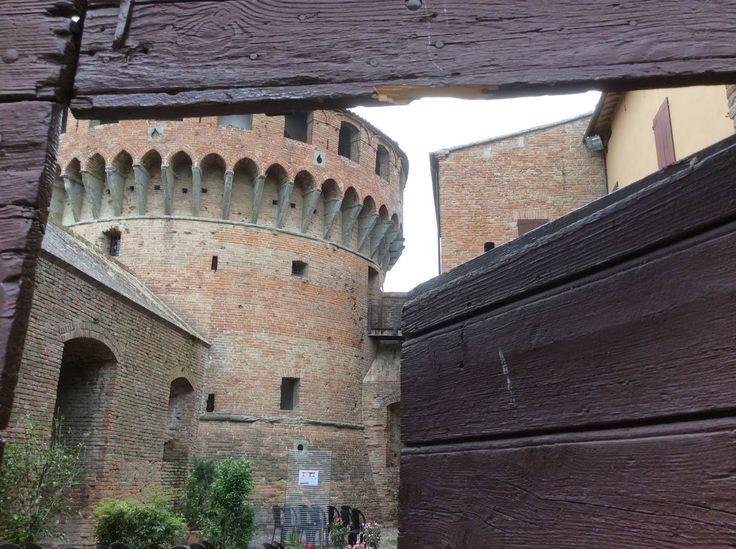 """Living Ravenna: Visita a Bagnara di Romagna (RA) per """"Popoli Pop Cult Festival 2014"""""""