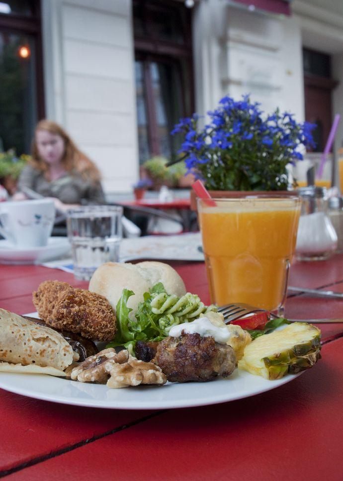 Bar Gagarin. Prenzlauer Berg, Berlin. Best brunch ever.