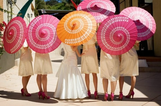 Too hot outside?  Is it because of the sun or these FABULOUS parasols and matching shoes for the bridal party?  PERFECT for a garden wedding.