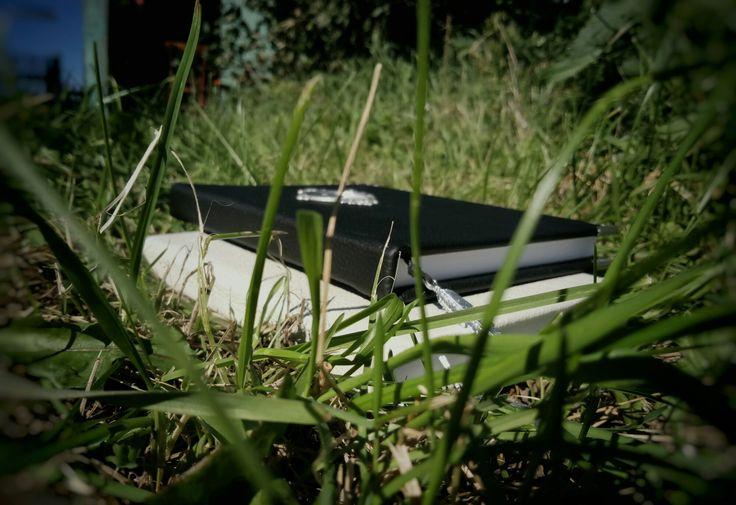 ИНЬ ЯН. СДЕЛАН НА ЗАКАЗ. Блокнот формат а5, обложка кожа. 100 листов.  Металлическая фурнитура.  #блокнот #кожзам #зеленый #book #green #handmade #иньян #черный #белый