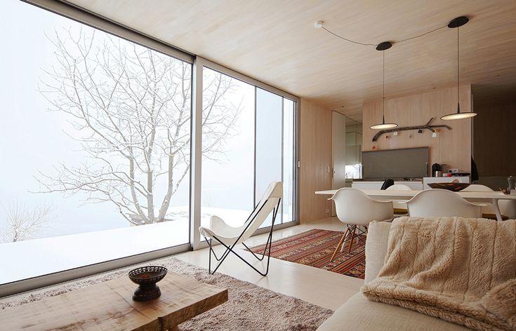 Casa Invisibile: DMAA Designs Mirror Covered Flexible Housing Units