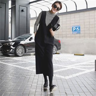 Buy mayblue V-Neck Wide-Leg Jumper Pants at YesStyle.com! Quality products at remarkable prices. FREE WORLDWIDE SHIPPING on orders over US$ 35.
