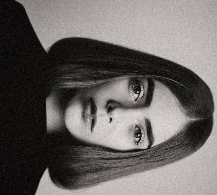 """""""la vida es una buena foto en blanco y negro. Hay blanco, hay negro, y un montón de sombras en medio"""" - Karl Keiner  Ella @sophiesholguin  Maquillaje @valentinaam7"""