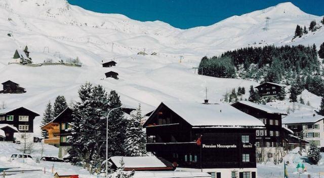 Pension Mezzaprada - 2 Sterne #Hotel - EUR 127 - #Hotels #Schweiz #Arosa http://www.justigo.com.de/hotels/switzerland/arosa/pension-mezzaprada_957.html