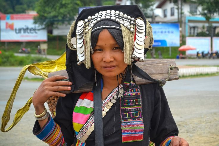 Akha woman in Phongsali