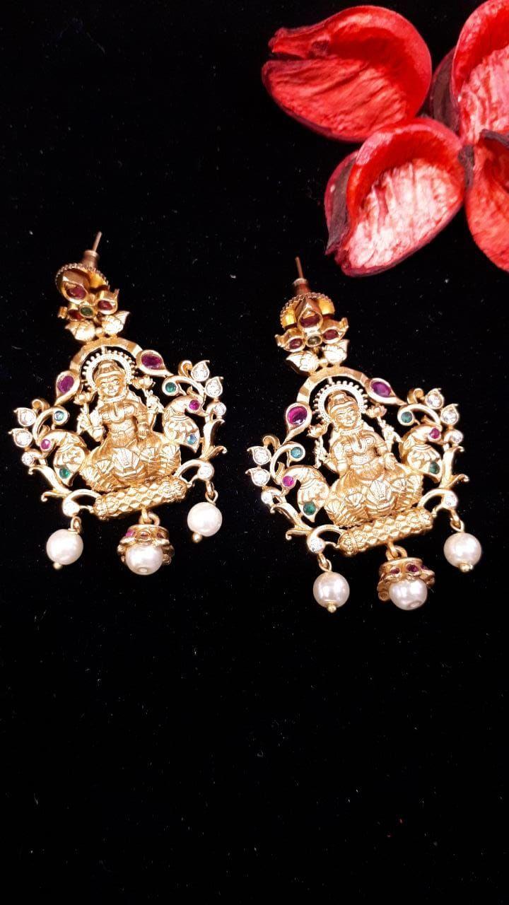 Lakshmijewellery Lakshmiearrings Chennai Festivejhumkas Festiveearrings Occasionalwear Kundanjewellery Bridal Jewelry Women Jewelry Traditional Earrings