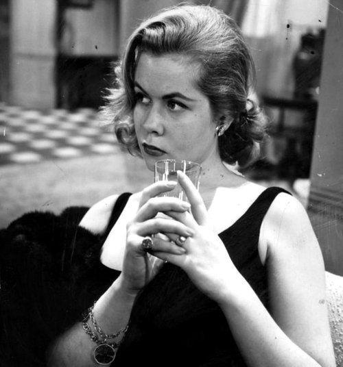 "Elizabeth Montgomery in ""The Diamond as Big as the Ritz"""