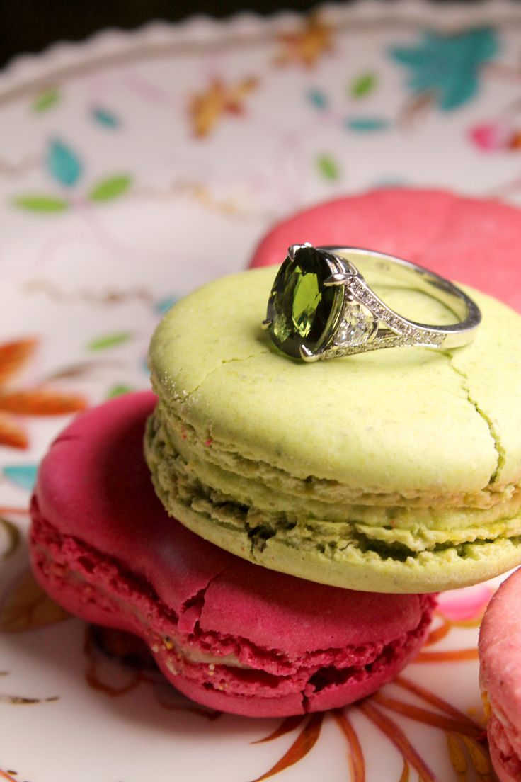 Hirsh green sapphire engagement ring set in platinum with white diamonds. Proposal idea? On vintage china tea plate with colourful green and pink macaroons. http://www.thejewelleryeditor.com/bridal/article/sapphire-engagement-rings-number-one-coloured-gem/ #wedding