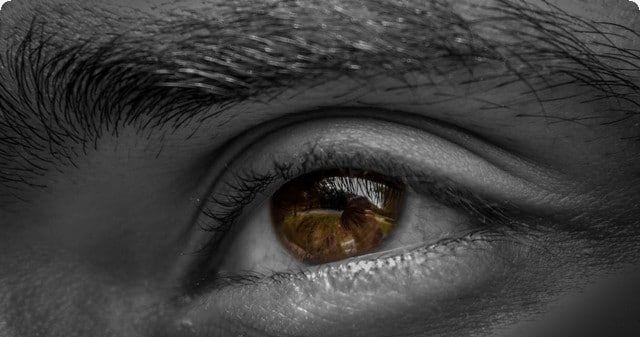 تفسير حلم الميت زعلان ورؤية الميت يبكي أو غاضب في المنام Eyes Photos Of Eyes Eye Color