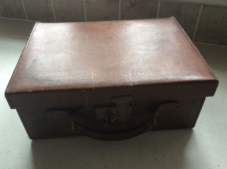 Vintage Leather Vanity Case initialled MCM complete with key and handle | eBay