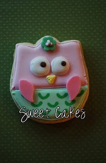 Owl cookie made with a tulip cookie cutter!