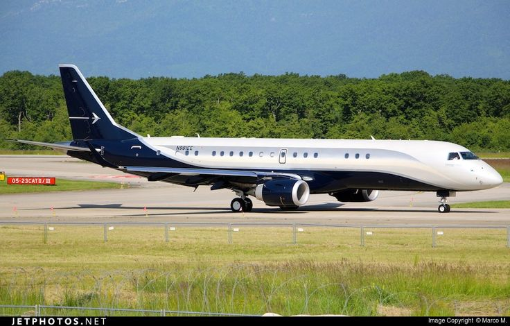 Embraer 190 Lineage 1000, Embraer Executive Aircraft, N981EE, cn 19000559, VIP, Embraer Executive delivered 29.1.2014. Foto: Geneva, Switzerland, 27.5.2016.