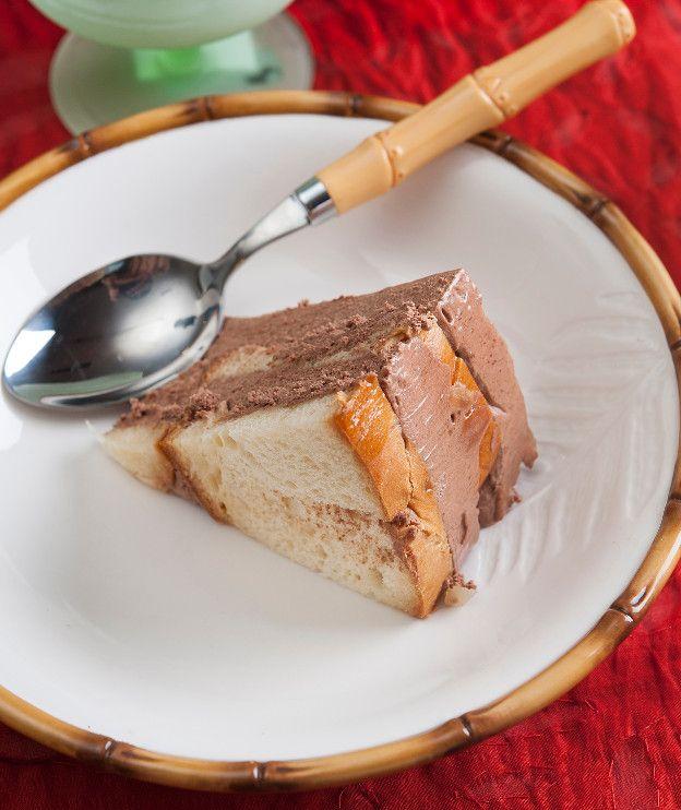 Με το τσουρέκι που θα περισσέψει φτιάξτε αυτή την εύκολη τούρτα μέσα σε μόλις 20 λεπτά.
