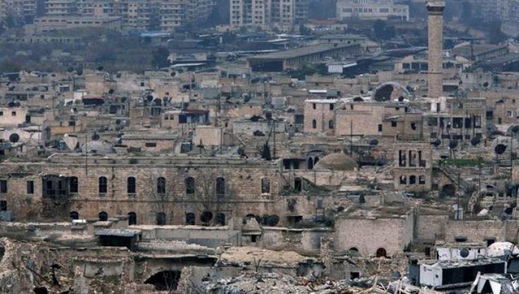 HRW: Rezim Suriah gunakan senjata kimia dalam serangan di Aleppo  ALEPPO (Arrahmah.com) - Pasukan rezim Nushairiyah pimpinan Bashar Asad menggunakan senjata kimia di wilayah yang dikuasai oleh pejuang Suriah di Aleppo selama pertempuran untuk merebut seluruh kota akhir tahun lalu menurut laporan Human Rights Watch (HRW) yang diterbitkan pada Senin (13/2/2017).  Temuan ini menambah bukti penggunaan senjata kimia yang dilarang penggunaannya dalam perang Suriah yang telah berlangsung hampir…