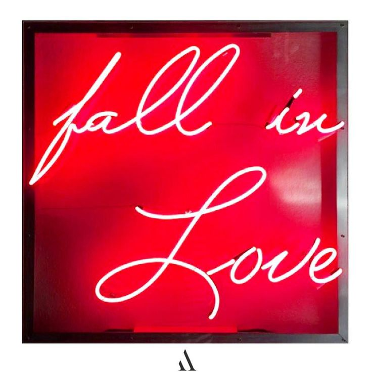 The beautiful 'Fall in Love' neon by Lisa Schulte is one of the works featured at the @westedgedesign design fair which opens tonight! Catch us at booth 427 with @wehodesigndistrict  #westedge #whdd #westedgedesignfair  Check the link in the bio for details on this neon by art_angels from #instagram