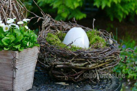 Nest aus Zweigen mit Moos - Karin Urban - NaturalSTyle