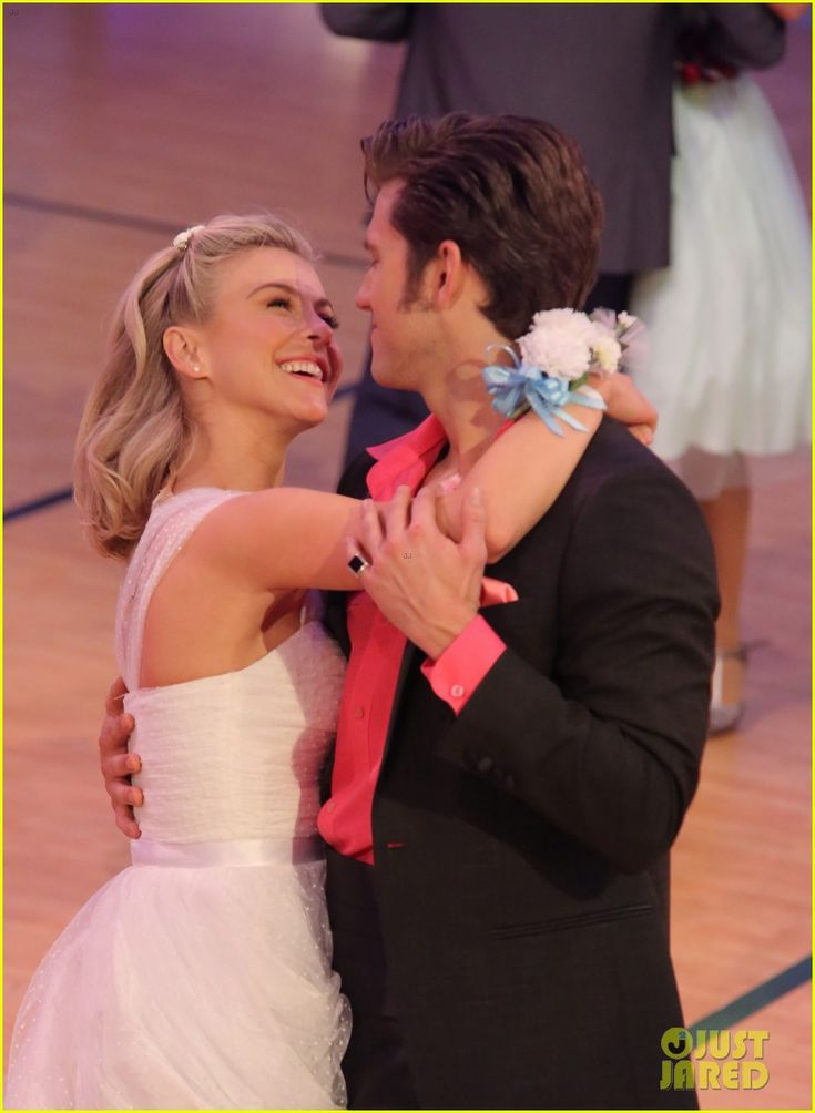 Grease: Live's Sandy: Julianne Hough Writes Sweet Note Before Tonight's Show!: Photo #3565610. Julianne Hough will be playing the iconic role of Sandy in tonight's production of Grease: Live on Fox and we can't wait to see her shine on screen!    The 27-year-old…