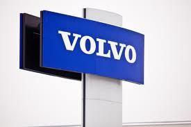 Volvo del latín, dar vueltas. Nombre práctico para una empresa dedicada a todo tipo de vehículos para desplazarse.
