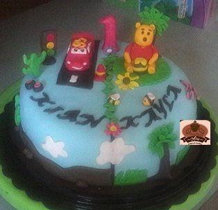 Twin cake pooh & car