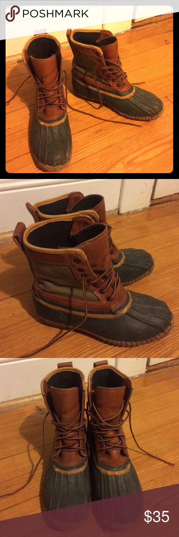 """Vintage waterproof timberland """"duck"""" boots I'm great condition, no tears. Have definitely seen some winters but can withstand a few more. I wear a size 7.5 and they fit, but I cannot wear thick socks with them. I imagine they fit a 6-7 best Timberland Shoes Winter & Rain Boots"""