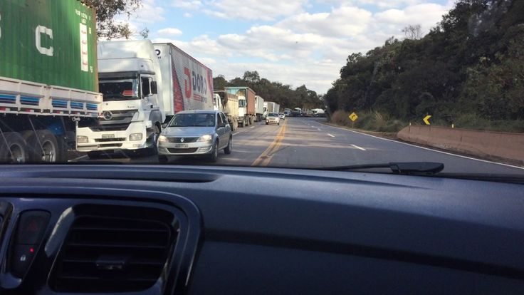 BR 040: Protesto Caminhões/Aumento Gasolina/Fora Temer/Campus IFMG. IMG_...