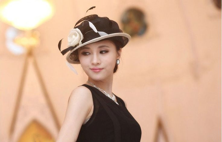"""""""Lucille"""" Black and White Hat Fascinator $89.95 includes FREE Shipping Australia Wide"""