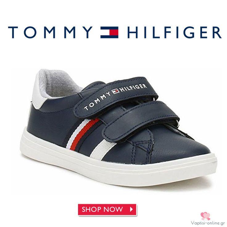 Sneaker μπλε Tommy Hilfiger για αγόρι Τα Sneaker μπλε Tommy Hilfiger για αγόρι είναι το δερμάτινο ανατομικό παπούτσι για το παιδί. Μπλε χρώμα με αυτοκόλλητα για κλείσιμο και αντιολισθητικό λευκό πάτο.