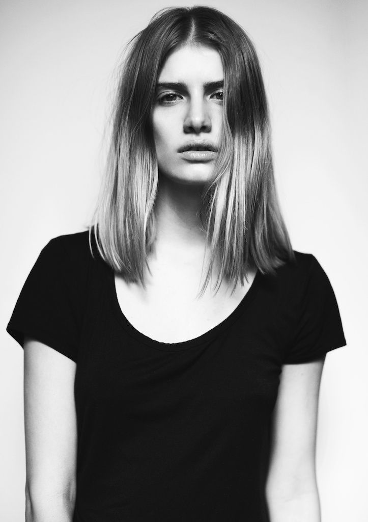 MINIMAL + CLASSIC: simple hair & t-shirt