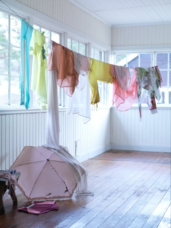 Méchant Design: decorate by hanging