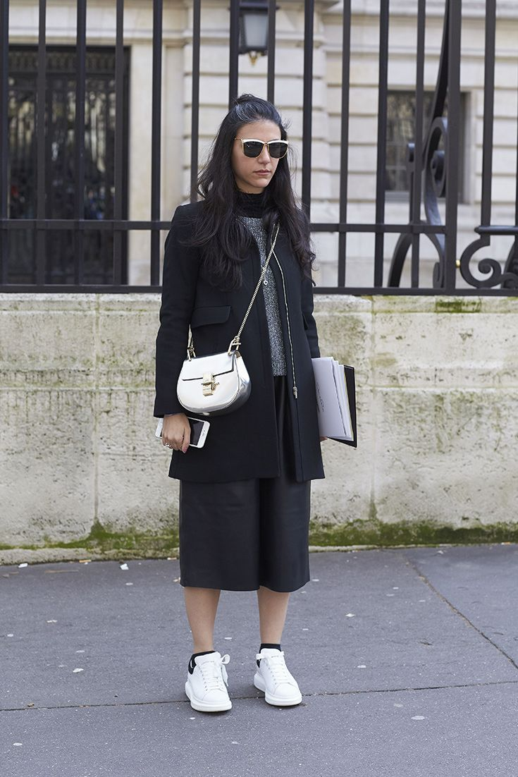 A midi skirt, sneakers and a Chloe Drew bag. Nailed it.