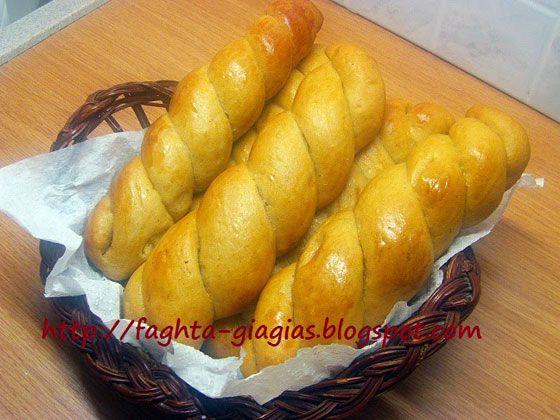 Τσουρεκάκια με πετιμέζι - Τα φαγητά της γιαγιάς