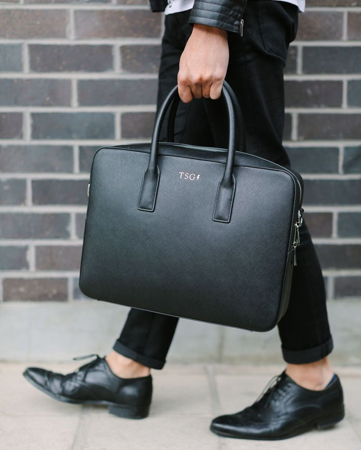 Stepping out in style with my new Messenger Bag by @thedailyedited thanks to  @OhItsPerfect // Men's Fashion Style and Travel Blog - http://ift.tt/29K1GdU