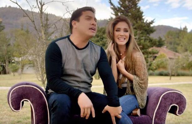 El día de hoy  la cantante Anahí estrenó el video de