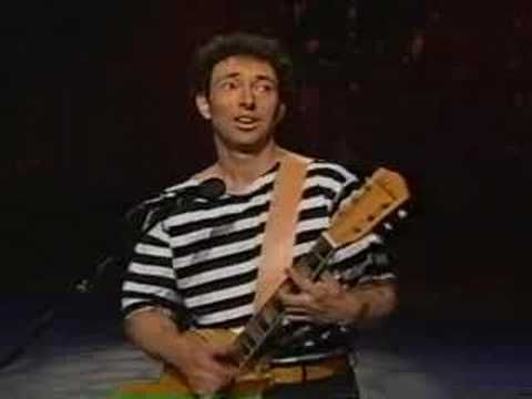 Jonathan Richman - Everyday Clothes Live - YouTube