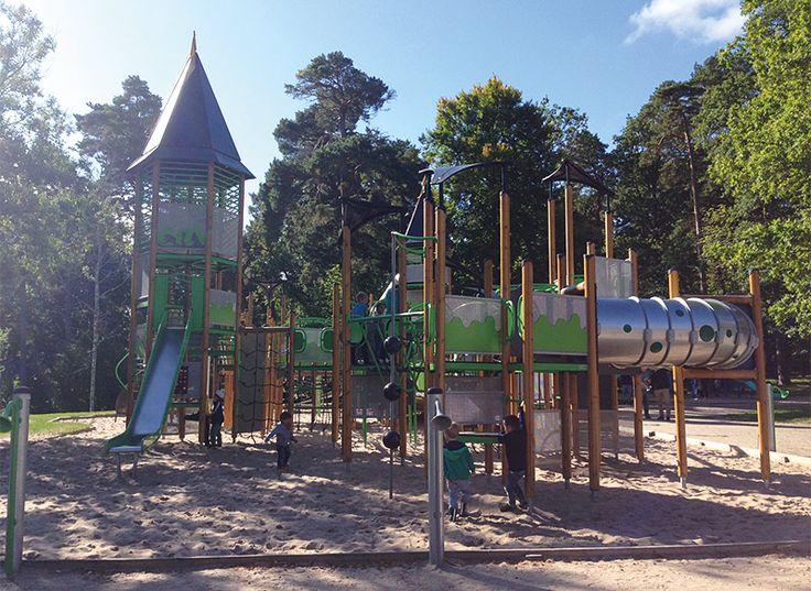 Big, fun playground in Jönköping - Stor och varierad lekplats i Jönköpings stadspark - Smålands smultron
