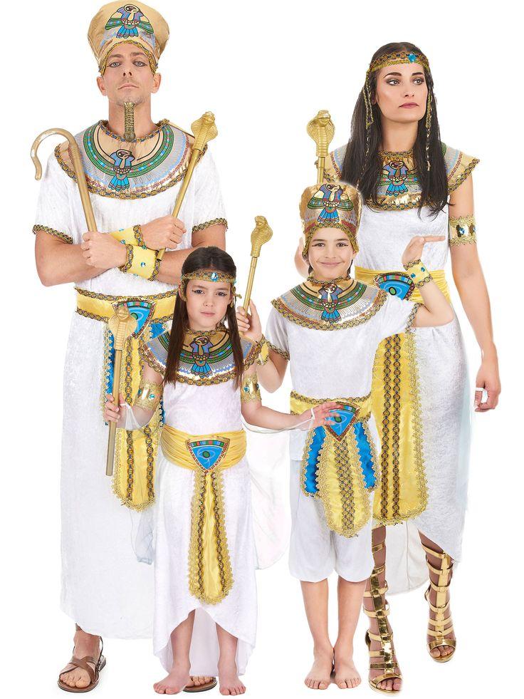 Disfraz familia Egipcios: Disfraz egipcio niñoEste disfraz de egipcio para niño incluye camiseta, pantalón, gorro, cuello, cinturón y brazaletes. La camiseta y el pantalón tienen aspecto...
