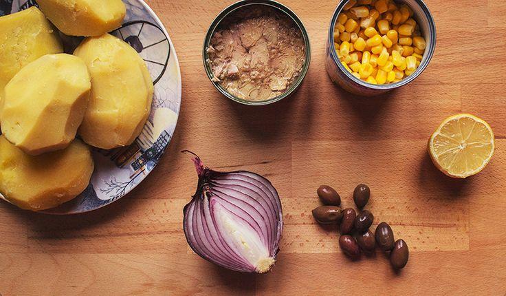 Ingrediente salata de cartofi cu ton