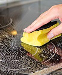 5 astuces pour nettoyer une plaque en vitrocéramique