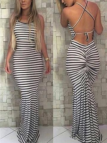 Reveal everyone that something special you got in this backless striped bodycon dress. Make sure to check our full range of bodycon dresses. #dresses #bodycon #springstyle #trending #trendingnow #summerstyle #Queenfy