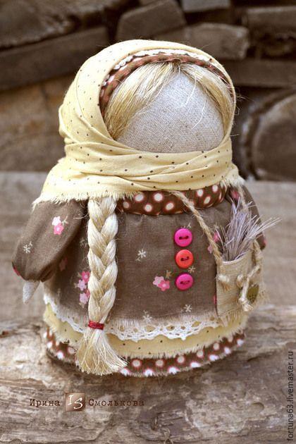 Народные куклы ручной работы. Хозяюшка с сумочкой. Ирина Смолькова. Интернет-магазин Ярмарка Мастеров. Кукла ручной работы, обереги