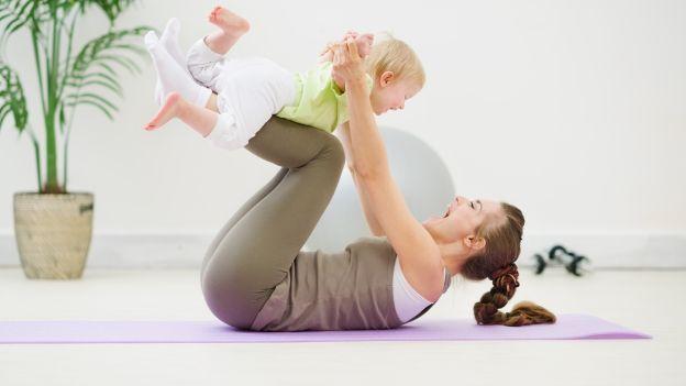 Come snellire il corpo e tonificare la pancia dopo la gravidanza