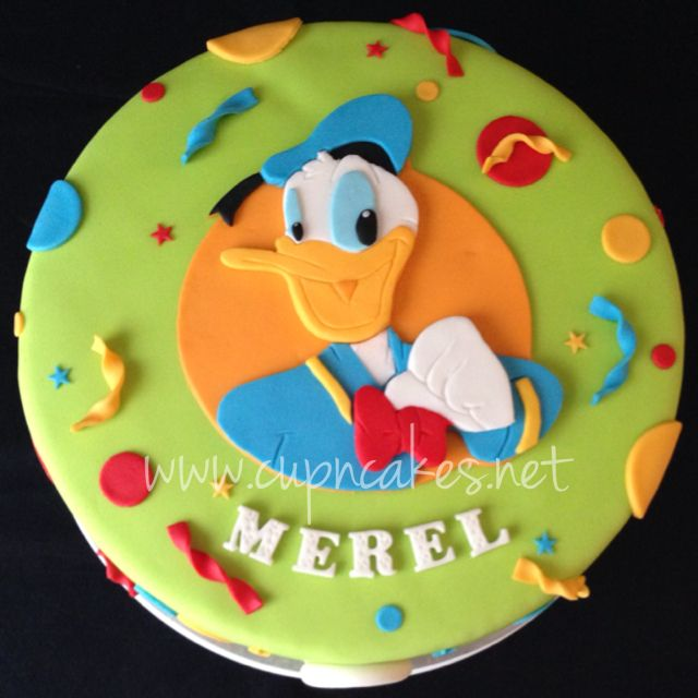 Disney Donald Duck cake by Cup'n'Cakes  www.cupncakes.net