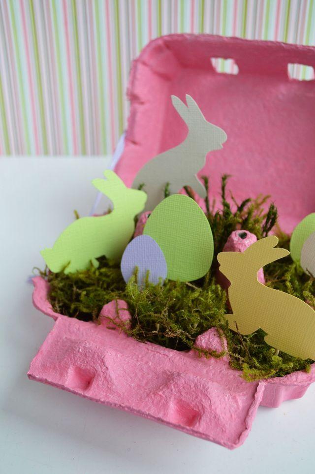 Une boîte de lapins tout rose pour Pâques.