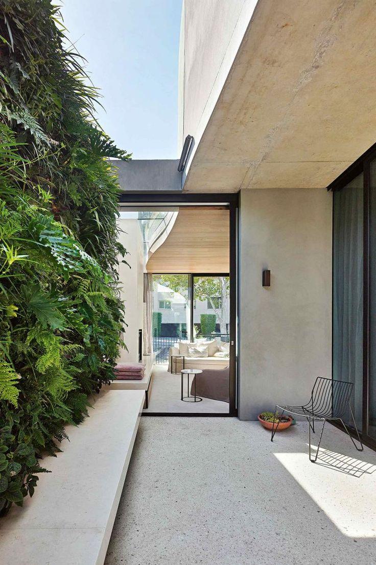 vertical-garden-courtyard-oct15
