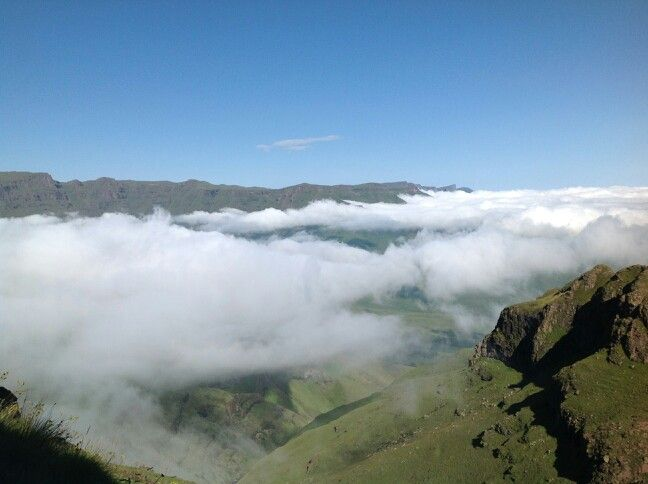 Breathtaking views of the majestic DRAKENSBERG MOUNTAIN