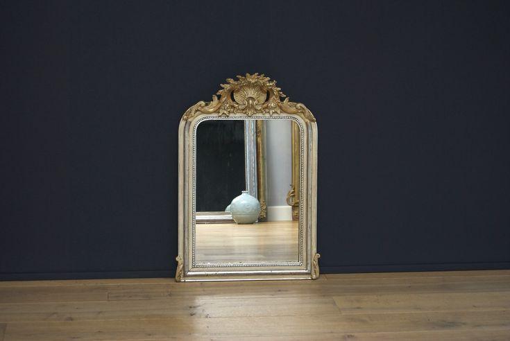 Antieke Franse spiegel met kuif (H:76xB:52cm)
